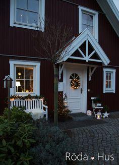 #schwedenhaus #myhome #skandinavisch #scandic #nordichome #redhouse #swedish #winter #outsinde #garden #christmas #weihnachten #advent #haus #house
