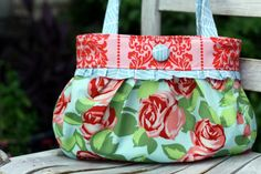 Short and Sassy Pleated Handbag PDF Sewing by artsycraftybabe, $8.00