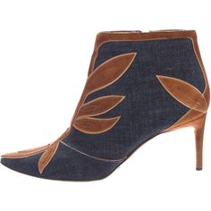 Pre-owned Dolce & Gabbana Denim Pointed-Toe Booties (36.665 HUF) ❤ liked on Polyvore featuring shoes, boots, ankle booties, blue, blue boots, pointed toe booties, blue zipper boots, dolce gabbana boots and denim booties