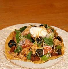 Turkey and Bean Tostadas {Gluten Free & Diabetic Friendly} - Can be modified so that it's not GF Allergy Free Recipes, Diabetic Recipes, New Recipes, Favorite Recipes, Healthy Recipes, Recipies, Tostadas, Tacos, Just Eat It
