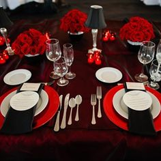 red table settings