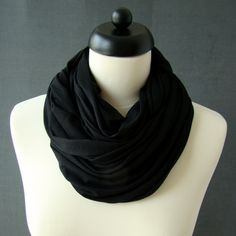 fekete jersey körsál Fashion, Moda, Fashion Styles, Fashion Illustrations