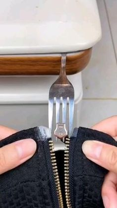 Amazing Life Hacks, Simple Life Hacks, Useful Life Hacks, Diy Clothes Life Hacks, Clothing Hacks, Techniques Couture, Sewing Techniques, Sewing Hacks, Sewing Tutorials