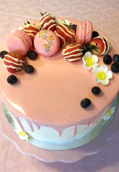 Lidl, Macarons, Birthday Cake, Desserts, Food, Food And Drinks, Tailgate Desserts, Deserts, Birthday Cakes
