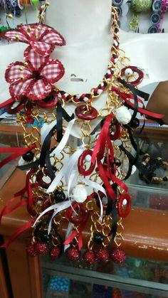 Negrita puloi Rehearsal Dinners, Ideas Para, Christmas Wreaths, Jewelery, Nostalgia, Manga, Holiday Decor, Crafts, Diy