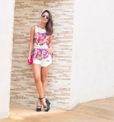 Camila Coelho - Instagram - camilacoelho.com - Women´s Fashion Style Inspiration - Moda Feminina Estilo Inspiração - Look  - look do dia floral e branco camila coelho em minas gerais
