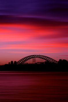 Harbour Bridge Sunset, Sydney | World clock, time zone, weather, astronomy and more at: www.thetimenow.com