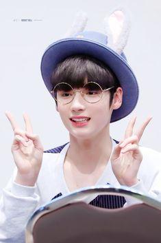 190323 - First Fansign Kai, South Korean Boy Band, Beautiful, Boys, Cute, Korean Idols, Korean Actors, Mamamoo Moonbyul, Damon