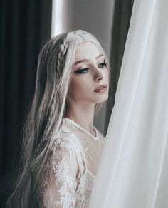 Image about hair in Beauty 👑💗 by on We Heart It Fantasy Photography, Portrait Photography, Pretty People, Beautiful People, Female Character Inspiration, Hair Color, Hair Beauty, Hairstyle, Poses
