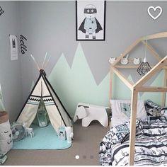 Encore une chambre de petit garçon dans les mêmes couleurs . . #inspideco #decointerieur #bedroom #bedroomdecor #bedroomkids #chambre #chambreenfant #douceur #miffy #superheros #tipi #scandinave Reposted Via @maison.deco_