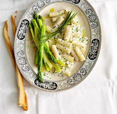 Rezept: Tortiglioni mit grünem Spargel und Ziegenkäsesauce