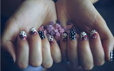 Black and white; red flowers ; dots ; purple hearts