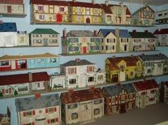 There are so many great dollhouse sites on the net... a wonderful Swedish site filled with Lundby, Brio and Caroline's Homes; a Dutch dollhouse...