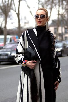 Street Style Paris Fashion Week - Street Style Photos from PFW - ELLE