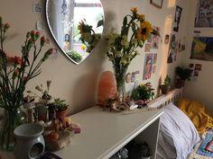 #crystals #sunflower #room #bedroom #bedroomideas #bedroomdecor #diyhomedecor #diy