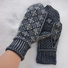 Ravelry: January Mittens pattern by Hanna Leväniemi Mittens Pattern, Knit Mittens, Mitten Gloves, Knitting Socks, Knitted Hats, Knitting Charts, Knitting Stitches, Free Knitting, Knitting Patterns