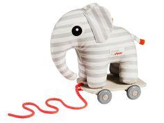 Done by Deer Nachziehelefant Elphee. Elphee der Elefant ist immer glücklich und bereit mit Dir zu spielen. Auf seinen Rädern folgt Dir Elphee überall hin.