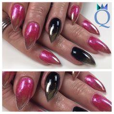 #shortstiletto #gelnails #nails #pink #black #chromeombre #chrome #kurze #stilettonägel #gelnägel #nägel #pink #schwarz #chrom #verlauf #nagelstudio #möhlin #nailqueen_janine