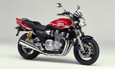 YAMAHA 2000-XJR1300SP Vivid Red Black (VRC1)