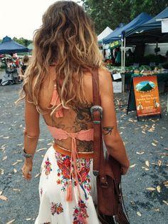 // Pinterest @esib123 //  #style #inspo  crop top and skirt