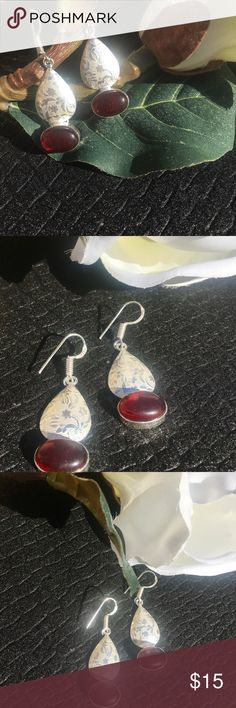 ⚜️Red Garnet Earrings⚜️ Red Garnet Earrings⚜️Simulated gemstone is stunning⚜️Garnet is stone of successful business. This stone attracts prosperity and abundance. Energy + Manifestation⚜️January birthstone⚜️925 overlay without stamp Jewelry Earrings