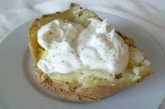 Greek Yogurt Baked Potato, except substitute sweet potato Baking Soda Hair Wash, Baking Soda Bath, Baking Soda And Lemon, Baking Soda Uses, Kid Desserts, Dessert Recipes, Drink Recipes, Healthy Baking, Healthy Foods