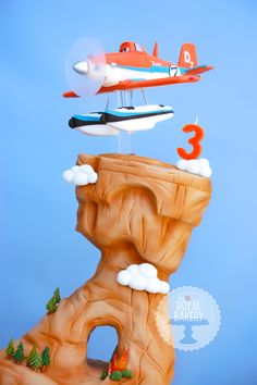 magazine by Australian Cake Decorating Network August 2014 Disney Planes Party, Disney Cars, 3d Cakes, Cupcake Cakes, Dusty Cake, Planes Birthday, Gravity Defying Cake, French Cake, Character Cakes
