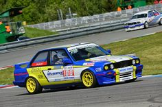 Bmw with x3mazero wheels - Histo Cup #evocorse #wheels #bmw #yellow #blu #histocup #rally