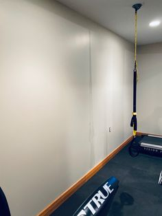 DIY Mirror Wall - Home Gym on a Dime - Tami in Between Home Gym Basement, Diy Home Gym, Gym Room At Home, Home Gym Decor, Home Theater Rooms, Basement Ideas, Gym Mirror Wall, Home Gym Mirrors, Diy Mirror