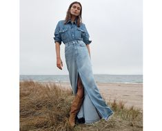 Zara puts the focus on denim with a new style guide. Called 'Denim on Denim', the spring-summer 2019 fashion shoot stars Andreea Diaconu. Fashion For Petite Women, Womens Fashion Casual Summer, Office Fashion Women, Black Women Fashion, Womens Fashion For Work, Curvy Fashion, Editorial Denim, Baby Model, Mode Jeans