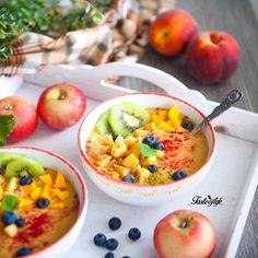 MANGO PEACH TAHINI Smoothie topped with caramelized apples, kiwi ...
