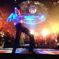 Disco 80, 1970s Disco, 70s Disco Outfit, Boogie Wonderland, Saturday Night Fever, 70s Music, Dusk To Dawn, John Travolta, Studio 54