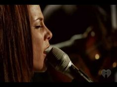 ▶ Alicia Keys - Empire State Of Mind Solo - YouTube...one of the best songs ever!