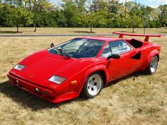Lamborghini Countach     . Beautiful !!!