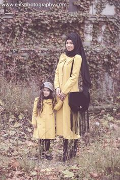 mother-daughter via Elifs Photography Mother Daughter Poses, Mom Daughter, Mother And Child, Islamic Fashion, Muslim Fashion, Mom And Baby Outfits, Kids Outfits, Mother Daughter Photography, Niqab Fashion