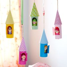 How to make paper castles to decorate the kids' room - - Want a unique way to decorate a kid's bedroom? Learn how to make a paper castle decoration and hang from a bedroom mantelpiece, window ledge or bunkbed. Hand Crafts For Kids, Toddler Crafts, Preschool Crafts, Projects For Kids, Diy For Kids, Easy Crafts, Diy And Crafts, Paper Craft For Kids, Wood Crafts