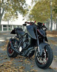 Ktm Motorcycles, Motos Honda, Yamaha Bikes, Ktm Dirt Bikes, Moto Bike, Motorcycle Bike, Srt8 Jeep, Duke Bike, Ktm Duke