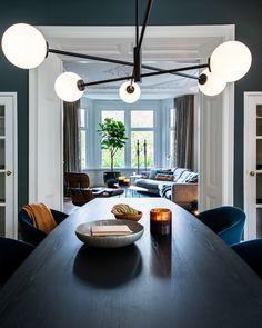 Portfolio interieurprojecten door Co van der Horst Table Settings, Van, Doors, Place Settings, Vans, Tablescapes, Vans Outfit, Gate