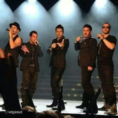 The 5 men that have my heart. Donnie And Mark Wahlberg, Amazing Comebacks, Danny Wood, Kids Fans, Jordan Knight, Braveheart, European Tour, New Kids, Best Memories