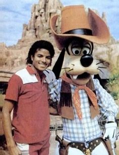 Michael Jackson Rare Thriller Era | 1983 Disney Land Photo by Tholstrup83 | Photobucket