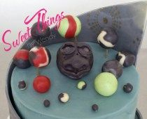Old man moon and planets cake topper - sweetthingsbywendy.ca Planet Cake, Cake Toppers, Cupcake Cakes, Planets, Pudding, Moon, Sweet, Desserts, The Moon