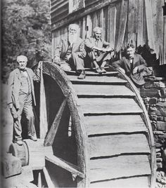 Four wealthy vagabonds Thomas Edison, John Burroughs, Henry Ford and Harvey Firestone partying at the old watering hole in Virginia in 1918