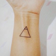 20 Tiny Tattoos With Big Meanings - tattoos with meaning, glyphs tattoo - Erinnern Tattoo, Glyph Tattoo, Tattoo Motive, Tiny Tattoo, Tattoo Flash, Fall Tattoo, Small Symbol Tattoos, Hidden Tattoos, Tattoo Pain