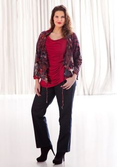 exelle | curvy fashion | comfortable jacket with flockprint, pleated front shirt