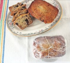 i heart banana bread, especially with chocolate or peanut butter chips