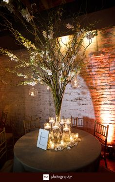 Branches with hanging candles for centerpieces Tree Wedding, Wedding Table, Floral Wedding, Rustic Wedding, Our Wedding, Wedding Flowers, Wedding Ideas, Wedding Reception, Tree Centerpieces