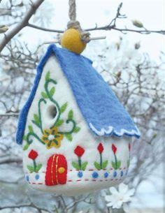 HEIDI'S CHALET BIRDHOUSE PERCH - Felt Wool Birdhouse
