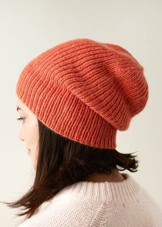 Ravelry: Classic Ribbed Hat pattern by Purl Soho hat pattern free women easy Classic Ribbed Hat Knit Slouchy Hat Pattern, Beanie Knitting Patterns Free, Easy Knit Hat, Hand Knitting, Knitted Hats, Crochet Hats, Knitting Tutorials, Slouch Hats, Crochet Granny