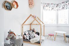 Kekseliäästi sisustettu lastenhuone Kids Room, Toddler Bed, Baby, Furniture, Home Decor, Girls, Image, Child Bed, Toddler Girls