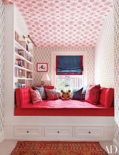 19 Colorful Ceilings That Add Contrast to Any Room